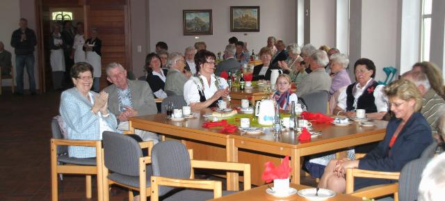 Senioren hatten beim tanz caf ihren spa for Westerburg kuchen