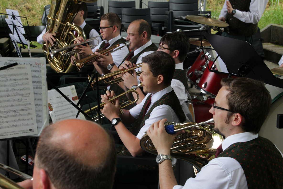 Sch ne blasmusik beim treffpunkt oberstadt in westerburg for Westerburg kuchen